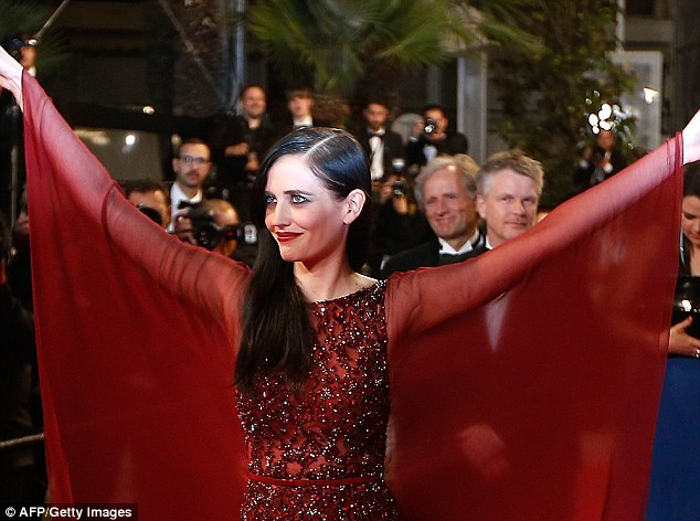 She's well red! The brunette beauty wowed fans on the red carpet