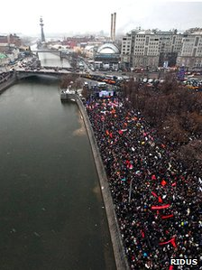 Protesters march through Moscow, 10 December (image: Ridus News)