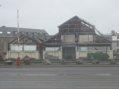 4 April 2011
