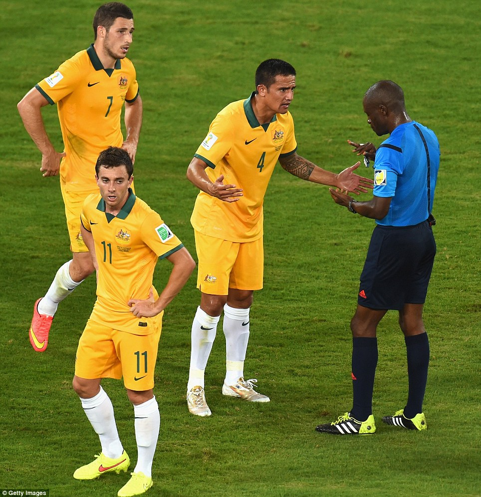 After being awarded a yellow card in the 44th, it has cast doubts of over the rest Cahill's tournament