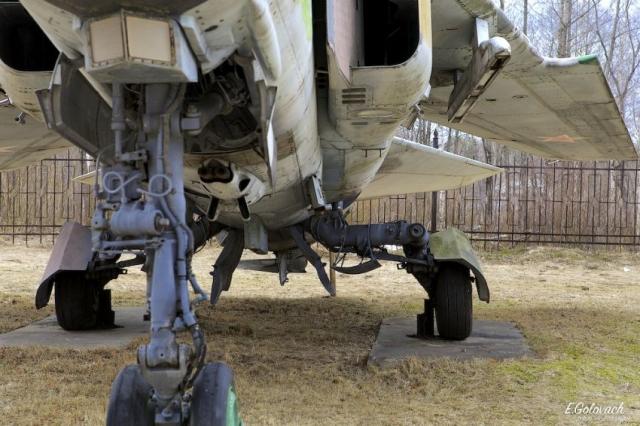 Музей авиации ПВО под открытым небом в Саваслейке