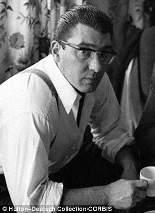 It's in the detail: Ronnie (R) was known for wearing horn-rimmed glasses