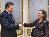 Президент України Віктор Янукович запевнив заступника держсекретаря США Вікторію Нуланд в тому, що він готовий до діалогу з опозицією і є прихильником якнайшвидшого проведення конституційної реформи