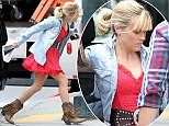 EXCLUSIVE: Reese Witherspoon heads to the set of 'Don't Mess With Texas' on Tuesday, July 15, 2014 in New Orleans, LA.  Pictured: Reese Witherspoon Ref: SPL800338  150714   EXCLUSIVE Picture by: Aliz  Splash News and Pictures Los Angeles: 310-821-2666 New York: 212-619-2666 London: 870-934-2666 photodesk@splashnews.com