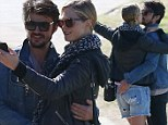 Erin Heatherton and Felix Bloxsom get up close and personal during PDA-filled selfie session in Sydney's Bondi