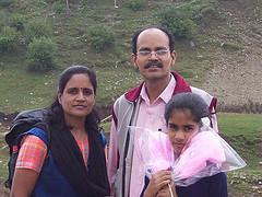 पत्नी रेखा तथा बिटिया अनुश्री के साथ रवि रतलामी