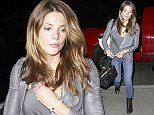 20.AUGUST.2014 - LOS ANGELES - USA AMERICAN ACTRESS ASHLEY GREENE ARRIVES AT LOS ANGELES INTERNATIONAL AIRPORT TO CATCH A FLIGHT TO NYC. BYLINE MUST READ : XPOSUREPHOTOS.COM *AVAILABLE FOR UK SALE ONLY* ***UK CLIENTS - PICTURES CONTAINING CHILDREN PLEASE PIXELATE FACE PRIOR TO PUBLICATION *** *UK CLIENTS MUST CALL PRIOR TO TV OR ONLINE USAGE PLEASE TELEPHONE 0208 344 2007*