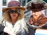 Ashlee Simpson 'steals' Mary Poppins bird lady hat ... but we bet that designer bag didn't cost tuppence