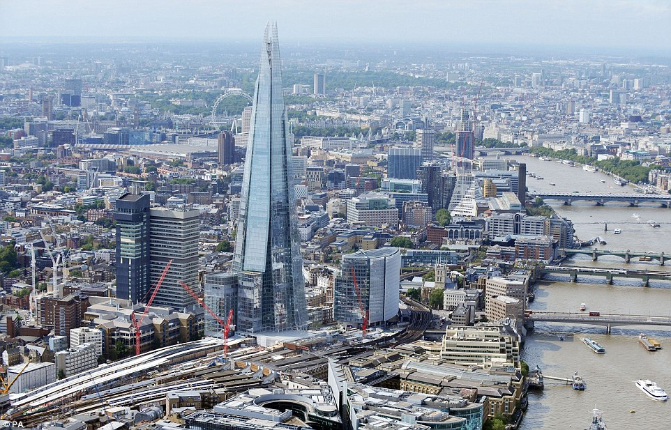 At the heart of the programme is the complete rebuilding of London Bridge, that will have the largest concourse in the country when finished