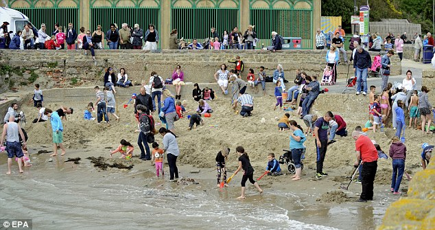 More than 250 treasure hunters tried their luck earlier today digging on their own mini claims on the beach