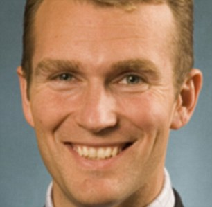 The call came from State Environment Minister Rob Stokes when he presented a health report into the harbour