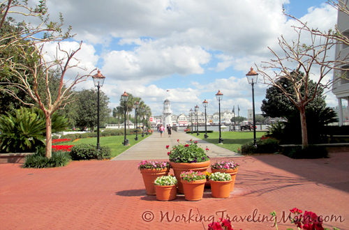 Disney World Yacht Club Resort boardwalk