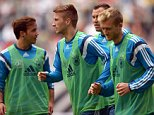 epa04379691 German national soccer team players (L-R) Mario Goetze, Marco Reus, Kevin Grosskreutz and Andre Schuerrle attend their team's training session in Duesseldorf, Germany, 01 September 2014. Germany will face Argentina in an international friendly soccer match on 03 September 2014.  EPA/FEDERICO GAMBARINI