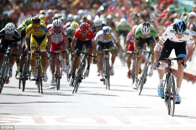 Recovery: Team Sky's Chris Froome (right) is 19 seconds behind Vuelta a Espana leader Alejandro Valverde