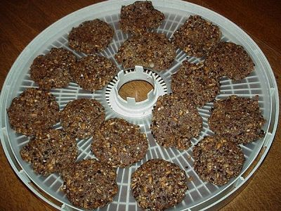 How to Make Oatmeal Cookies: Raw Food Recipe thumbnail