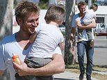 COLEMAN-RAYNER. Los Angeles CA, USA \nSeptember 23rd, 2014.\nAustralian celebrity chef picks up his son Hudson from music class in Beverly Hills today. Curtis' actress wife Lindsay Price has recently given birth to their 2nd child. \nCREDIT LINE MUST READ: Coqueran/Coleman-Rayner.\nTel US (001) 310-474-4343 - office¿\nTel US (001) 323 545 7584 - cell\nwww.coleman-rayner.com
