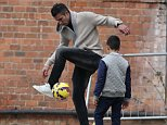 November 04, 2014: November 04, 2014  Manchester United Striker Robin Van Persie Spotted Filming In Manchester For A Football Freestyle TV Show.    NON EXC  Non Exclusive Worldwide Rights Pictures by : FameFlynet UK © 2014 Tel : +44 (0)20 3551 5049 Email : info@fameflynet.uk.com