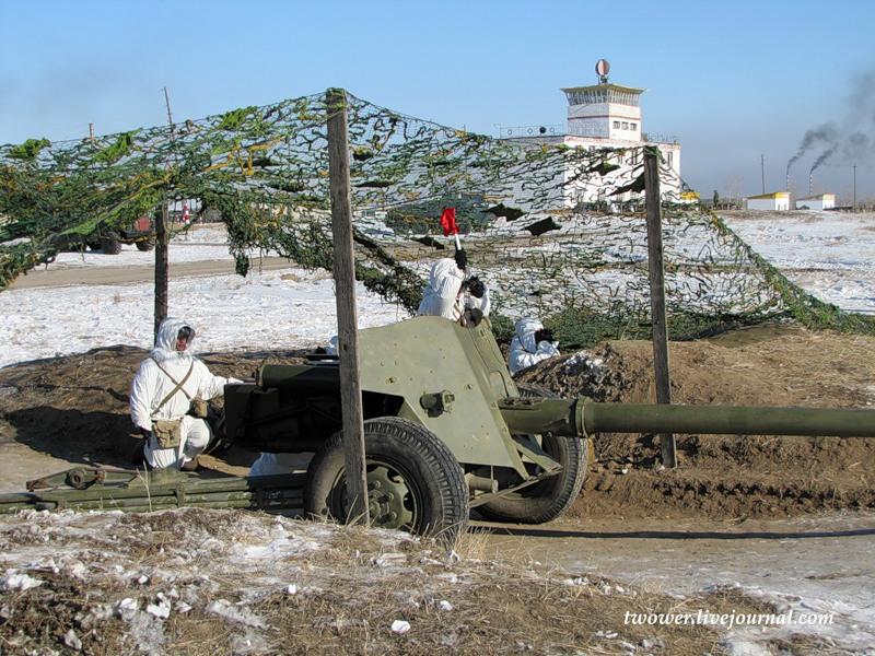 МТ-12 на огневой позиции