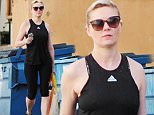 Kirsten Dunst feels the chill in the nippy air while heading to her daily Pilates class at Tracy Anderson Studio in Los Angeles on Friday.\n\nPictured: Kirsten Dunst\nRef: SPL888809  141114  \nPicture by: REELPIX/Splash News\n\nSplash News and Pictures\nLos Angeles: 310-821-2666\nNew York: 212-619-2666\nLondon: 870-934-2666\nphotodesk@splashnews.com\n