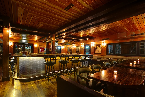 TheCenter Loungeis located in the heart of the restaurant and is perfect for a social gathering for up to 85 guests. This room features a gorgeous 400-square foot bar, private upholstered booths, vintage light fixtures, and antique photographs, and offers the stylish, members-only atmosphere of a 1940's speakeasy. This space is great for cocktail receptions and mixers! Perfect for parties of 15 to 50.