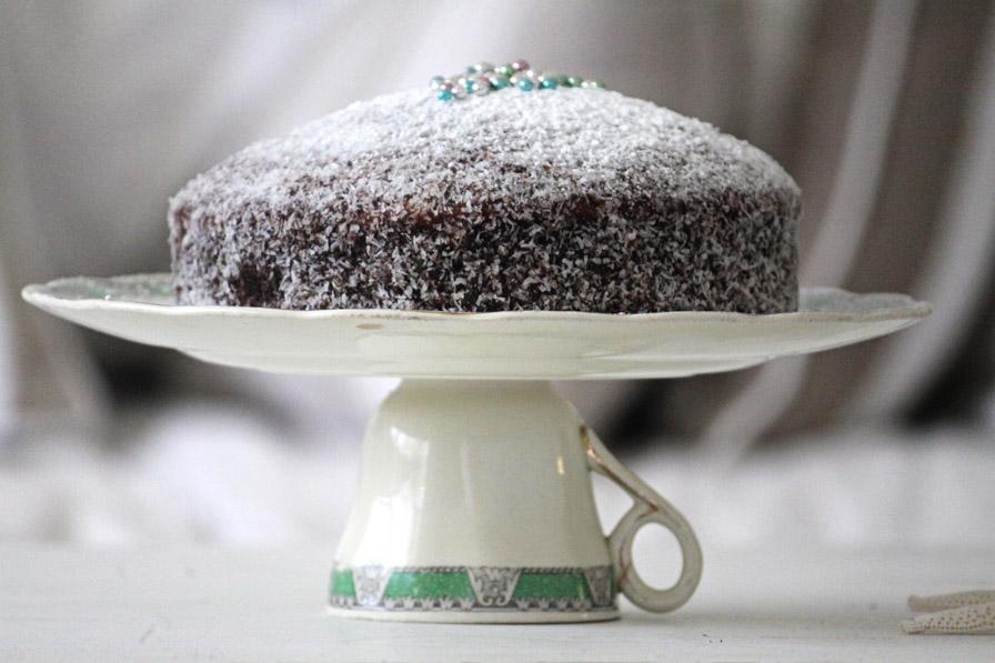 201012-Lamington-Cake-Stand-02