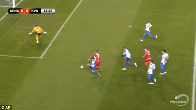 Kortrijk close on in goal as they look to take an early lead against title rivals Genk