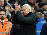 NEWCASTLE UPON TYNE, ENGLAND - DECEMBER 28:  Newcastle manager Alan Pardew applauds the crowd after the Barclays Premier League match between Newcastle United and Everton at St James' Park on December 28, 2014 in Newcastle upon Tyne, England.  (Photo by Stu Forster/Getty Images)