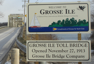 Gi_welcome_sign_bridge2008