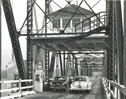 Toll_bridge_1955_2
