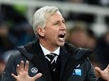 NEWCASTLE UPON TYNE, ENGLAND - DECEMBER 28:  Newcastle manager Alan Pardew reacts during the Barclays Premier League match between Newcastle United and Everton at St James' Park on December 28, 2014 in Newcastle upon Tyne, England.  (Photo by Stu Forster/Getty Images)