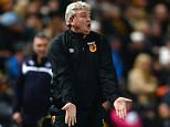 HULL, ENGLAND - DECEMBER 28:  Steve Bruce manager of Hull City reacts during the Barclays Premier League match between Hull City and Leicester City at KC Stadium on December 28, 2014 in Hull, England.  (Photo by Nigel Roddis/Getty Images)