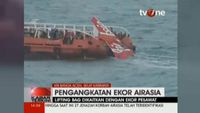 Indonesia Recovers Tail of AirAsia Jet From Java Sea