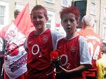 TWITTER PICTURE - HARRY KANE PICTURED WEARING AN ARSENAL KIT IN 2004