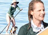 �BAUER-GRIFFIN.COM\nHelen Hunt is seen in Malibu\nNON EXCLUSIVE Feb 13, 2015\nJob: 150213GONZ1 Los Angeles, CA\nwww.bauergriffin.com\n