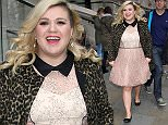 Picture Shows: Kelly Clarkson  February 16, 2015    The first 'American Idol' winner, Kelly Clarkson, is seen leaving the Corinthia Hotel in London, England, with her husband, Narvel Blackstock, and their baby daughter.    Non Exclusive  WORLDWIDE RIGHTS    Pictures by : FameFlynet UK    2015  Tel : +44 (0)20 3551 5049  Email : info@fameflynet.uk.com