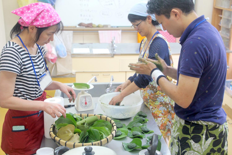 「屋久島を遊びつくそう!」 アクティビティーから伝統行事参加まで地元住民が案内する里地で出来る季節ごとの多彩なプチ体験ツアー