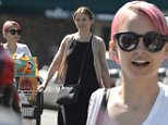 EXCLUSIVE Nicole Richie and Cameron Diaz go grocery shopping together\\n\\nFeaturing: Nicole Richie, Cameron Diaz\\nWhere: Los Angeles, California, United States\\nWhen: 14 Mar 2015\\nCredit: WENN.com