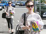 17.MARCH.2015 - WEST HOLLYWOOD - USA AMERICAN ACTRESS LILY COLLINS LEAVING THE GYM IN WEST HOLLYWOOD ON TUESDAY MORNING. LILY WAS WEARING GYM CLOTHES AND SUNGLASSES BYLINE MUST READ : XPOSUREPHOTOS.COM ***UK CLIENTS - PICTURES CONTAINING CHILDREN PLEASE PIXELATE FACE PRIOR TO PUBLICATION *** **UK CLIENTS MUST CALL PRIOR TO TV OR ONLINE USAGE PLEASE TELEPHONE  44 208 344 2007 ***