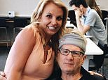 Fancy running into this guy! ???? Such a sweetheart!! #EdONeill #ModernFamily