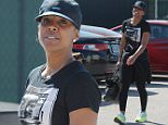 EXCLUSIVE: Kelly Rowland arrives at a recording studio in Los Angeles, CA.  Pictured: Kelly Rowland Ref: SPL988149  300315   EXCLUSIVE Picture by: Vladimir Labissiere/Splash News  Splash News and Pictures Los Angeles: 310-821-2666 New York: 212-619-2666 London: 870-934-2666 photodesk@splashnews.com
