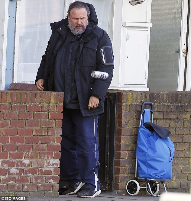 Is that you, dad? When the couple arrive, they spot a bearded drunken man standing at the front of the house Sharon suspects belongs to her father