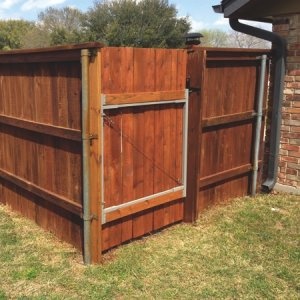Schulz chose a redwood stain for the fence, which is similar in color to the original stain. (Photo courtesy of Karl Schulz of Pflugerville, Texas).