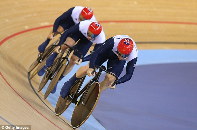Philip Hindes (front), Jason Kenny (C) and Sir Chris Hoy (back) led from the start and never gave France the chance to catch them