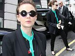 17.APRIL.2015 - LONDON - UK AMERICAN ACTRESS CAREY MULLIGAN SEEN ARRIVING AT THE BBC RADIO STUDIOS AT WESTERN HOUSE IN CENTRAL LONDON AHEAD OF HER APPEARANCE ON THE CHRIS EVANS SHOW ON RADIO 2. BYLINE MUST READ : XPOSUREPHOTOS.COM ***UK CLIENTS - PICTURES CONTAINING CHILDREN PLEASE PIXELATE FACE PRIOR TO PUBLICATION *** **UK CLIENTS MUST CALL PRIOR TO TV OR ONLINE USAGE PLEASE TELEPHONE 0208 344 2007**