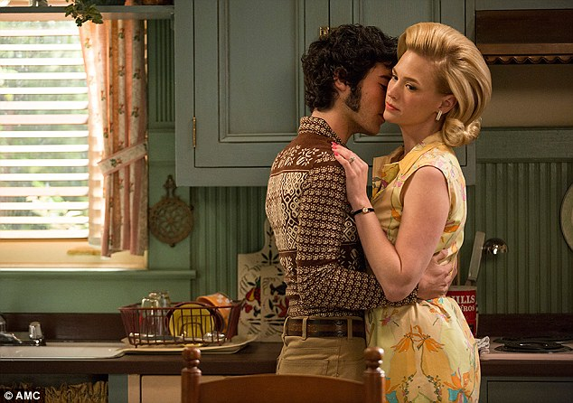 Glen Bishop (Marten Weiner) and Betty Francis (January Jones)