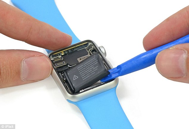iFixit removed the battery inside the Sport model (pictured) and found it is a 3.8 V, 0.78 Wh lithium-ion battery running at 205mAh. It is likely the higher end models and the 42mm versions of the Watch feature the same technology, but this hasn't been confirmed
