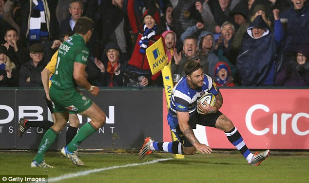 Bath winger Matt Banahan glides over for another five-pointer during a dominate second-half