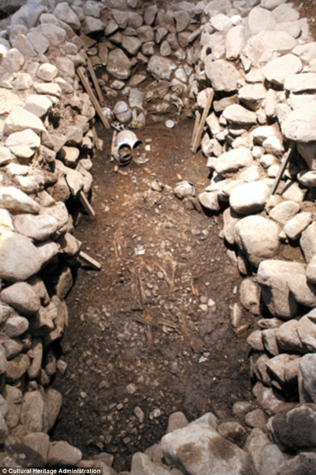 An unusual tomb dating to between the 5th and 6th century seems to hold the remains of two lovers, one of whom may have been killed so the pair could lie together for eternity. Here, the bones of the two people can be seen on top of one another, leading some experts to suggest the set-up was designed to imitate sex