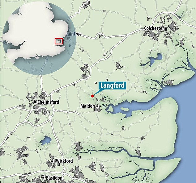 The deposit containing the bone was discovered during excavations ahead of a new pipeline in Landford, Essex (shown on the map) and is thought to date to 5,600 BC