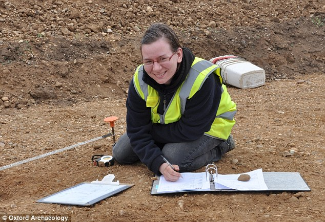 The find is significant because it sheds light on early human society in Mesolithic Britain, when people were largely nomadic hunter gatherers before the arrival of farming. Here, excavatorMalgorzata Kwiatowska records finds